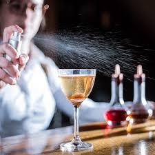 barman i alkohol na weselu